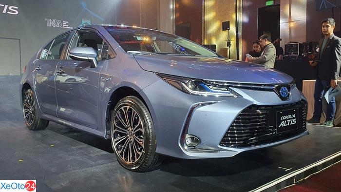 Ngoại thất Toyota Corolla Altis 2020