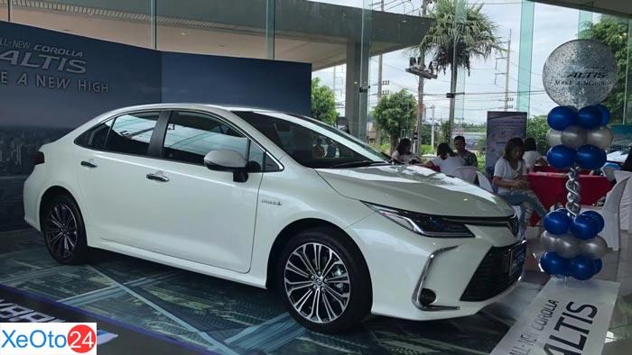 Phần thân Corolla Altis 2020