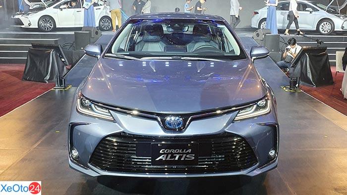 Thiết kế phần đầu Corolla Altis 2020