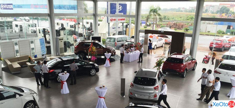 Bên trong showroom rộng rãi của Hyundai Long Biên