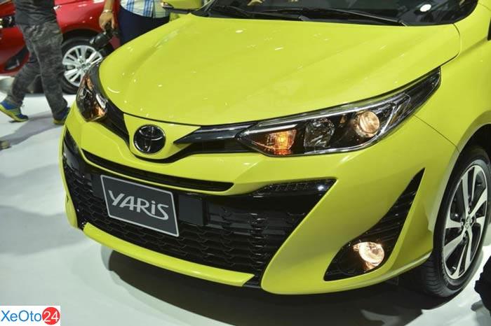 Cận cảnh phần đầu xe Toyota Yaris 2020