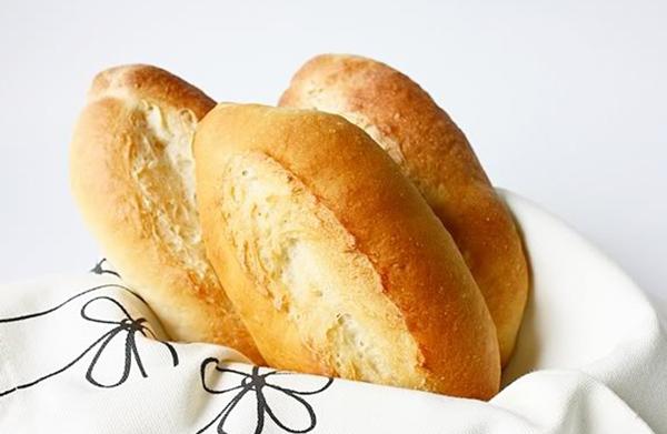 Chống say xe hiệu quả bằng vỏ bánh mì