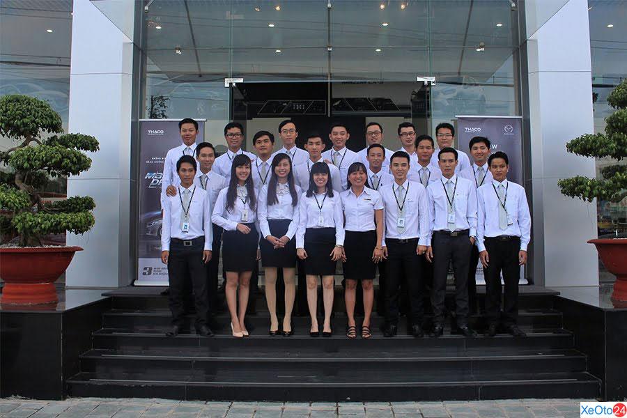 Đội ngũ kỹ thuật viên và tư vấn dịch vụ