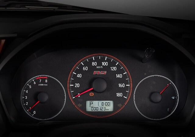 Đồng hồ chính sau tay lái dành cho người điều khiển