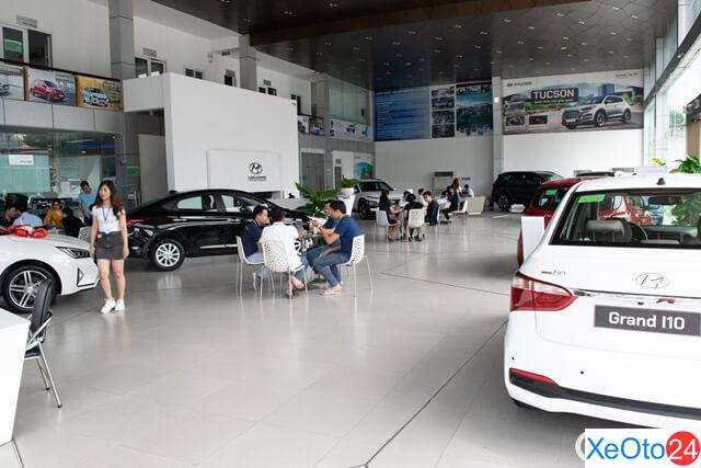 Không gian rộng rãi là điểm ấn tượng đầu tiên khi nhìn vào Hyundai Tây Đô