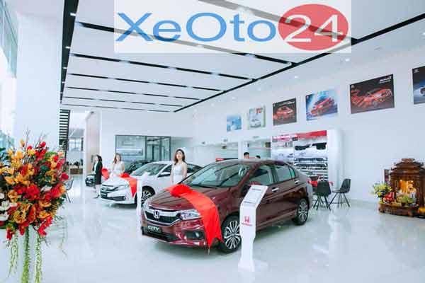Showroom trưng bày ô tô
