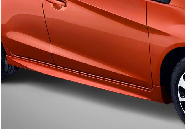 Thiết kế phần thân xe với các đường gân guốc khỏe khoắn.