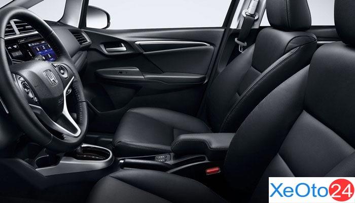 Khoang lái Honda Jazz 2021