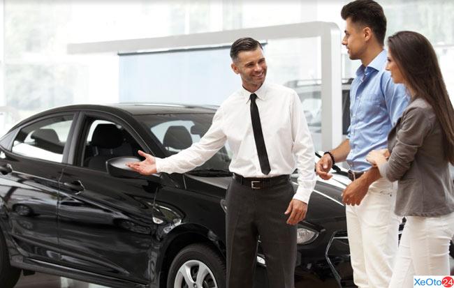 Các kỹ sư, kỹ thuật viên chăm sóc chiếc xe của bạn một cách chu đáo nhất đem đến cho khách hàng sự hài lòng tuyệt đối.