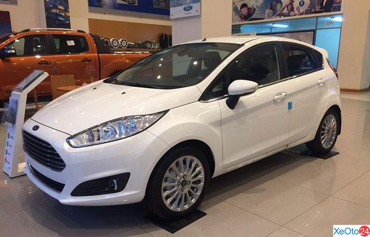 Giá xe Ford Fiesta