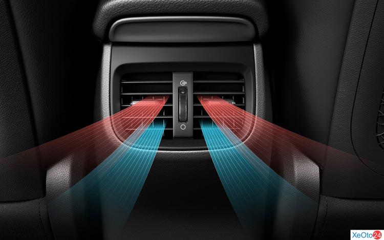 Hệ thông điều hòa hàng ghế sau tiện nghi