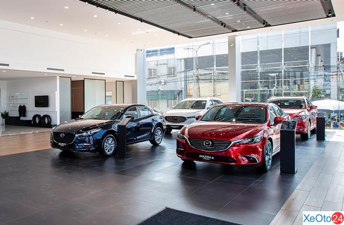 Một góc khu trưng bày xe ô tô của đại lý Mazda Thái Nguyên