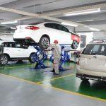 Nên bảo dưỡng ô tô chính hãng hay ở gara ngoài