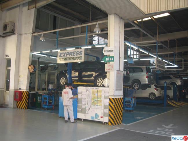 Nhà xưởng được đầu tư hiện đại và khang trang của đại lý Toyota Hoàn Kiếm