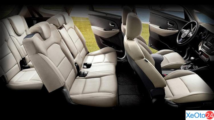 Nội thất xe Kia Rondo 2020