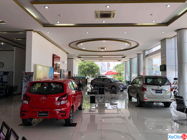 Showroom trưng bày xe