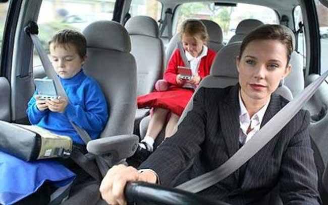 Thắt dây an toàn trước khi lái xe