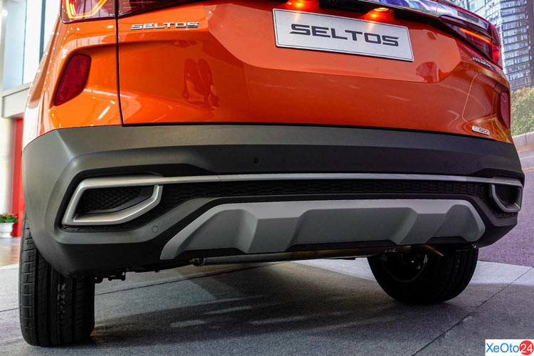 Ống xả giả trên xe Kia Seltos 2020