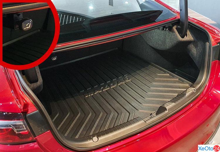 Cốp xe Mazda 6 2020
