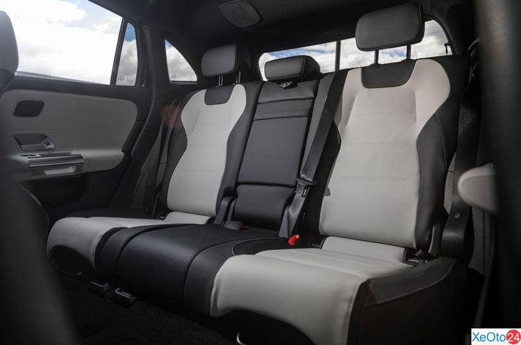 Hàng ghế 2 xe Mercedes-Benz GLA 2021