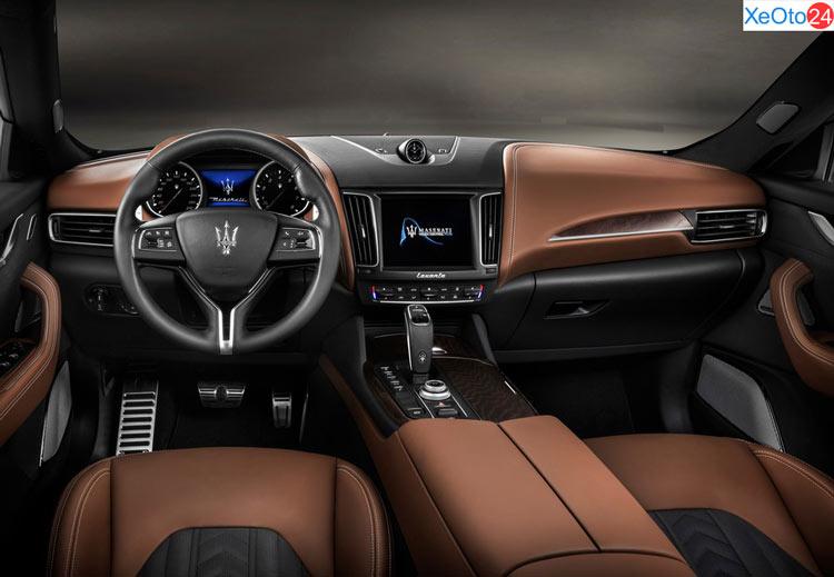 Khoang lái của xe Maserati Levante 2020