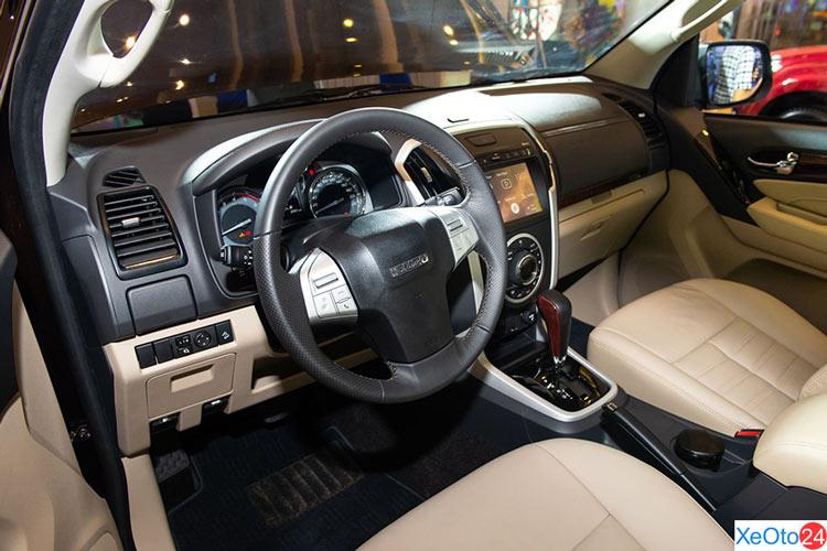 Khoang lái của xe ISUZU MU-X 2020