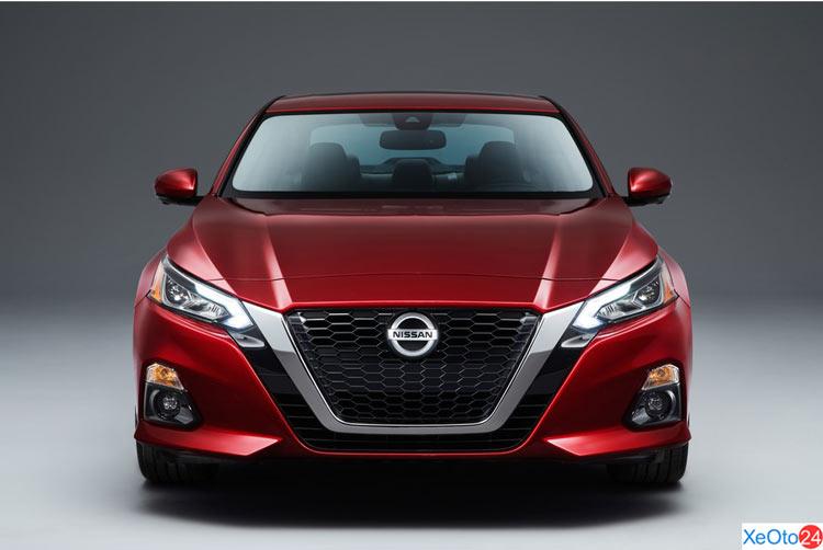 Phần đầu xe Nissan Altima 2020