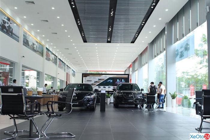 Phòng trưng bày các mẫu xe đời mới của Mazda