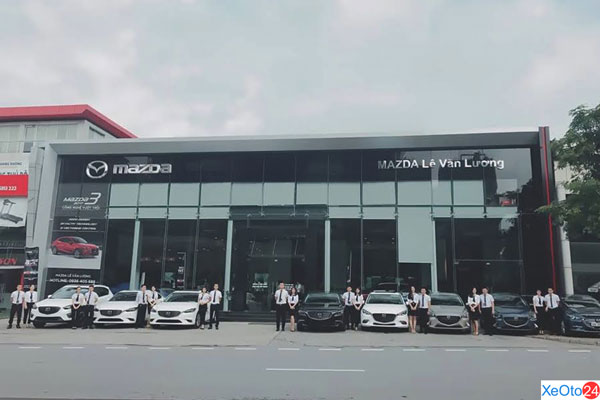 Showroom được thiết kế hiện đại tại Mazda Lê Văn Lương