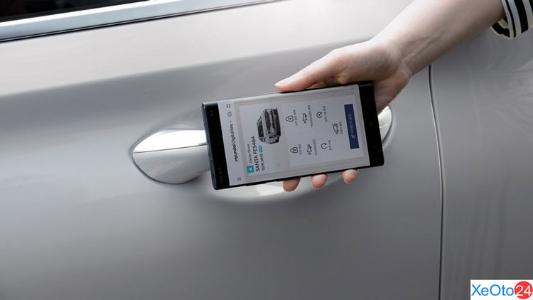 Chìa khóa kỹ thuật số trên xe Huyndai Santa Fe 2021