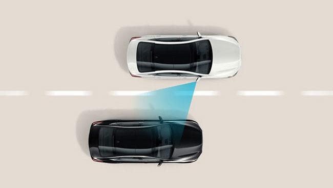 Hệ thống hỗ trợ tránh va chạm điểm mù (BCA) trên xe Huyndai Sonata