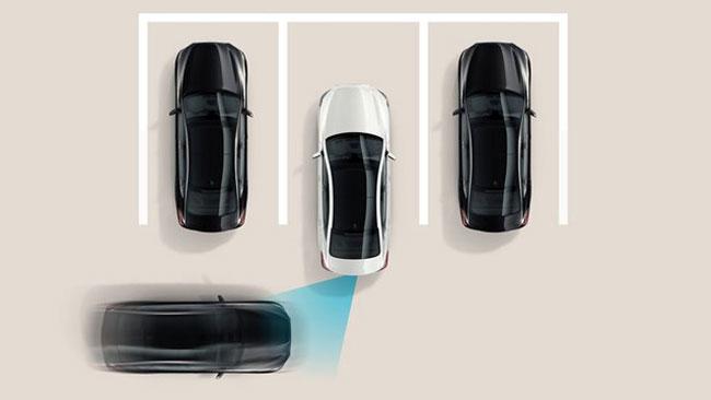 Hỗ trợ tránh va chạm giao thông phía sau (RCCA) trên xe Huyndai Sonata