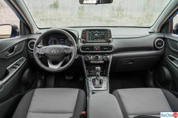 Khoang lái của xe Huydai Kona 2021