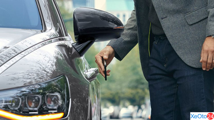 Mở khóa bằng điện thoại trên xe Huyndai Sonata