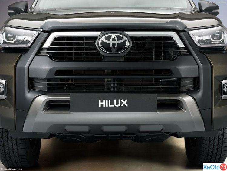 Phần đầu xe Toyota Hilux 2021