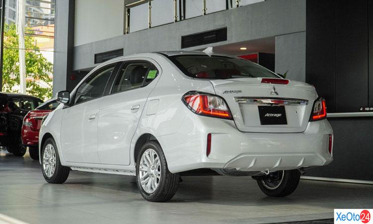 Phần đuôi xe Mitsubishi Attrange 2020