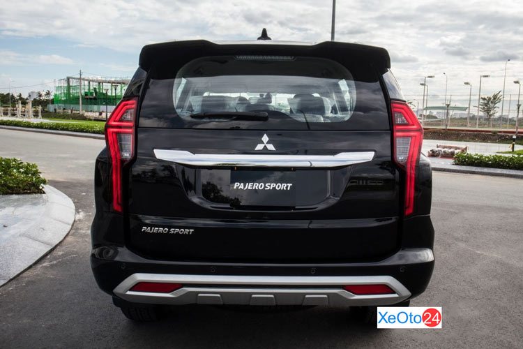 Phần đuôi xe Mitsubishi Pajero Sport 2020