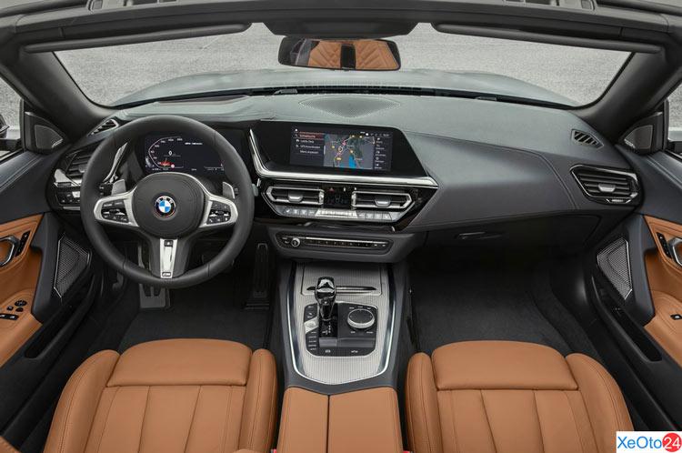 Tổng quan khoang lái xe BMW Z4