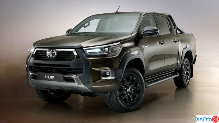 Xe Toyota Hilux 2021