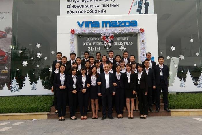 Nhân viên tại đại lý Mazda Thanh Hóa