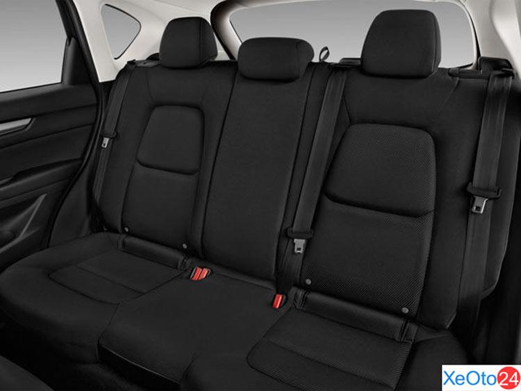Tổng quan hàng ghế sau xe Mazda CX-5 2021