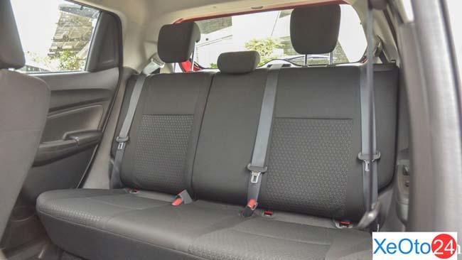Khoang hành khách xe Suzuki Swift