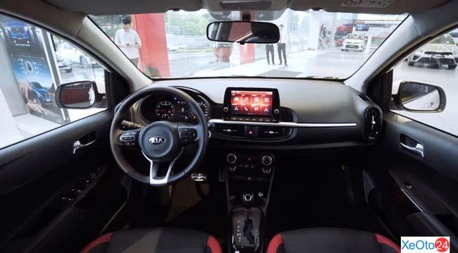 Khoang lái xe Kia Morning 2021