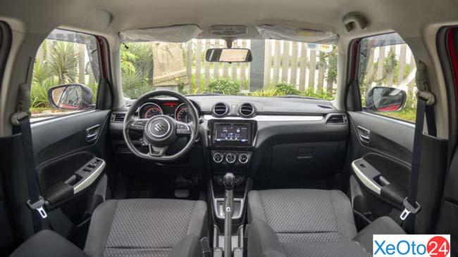 Khoang lái xe Suzuki Swift