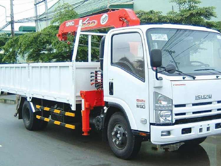 Xe tải gắn cẩu Isuzu