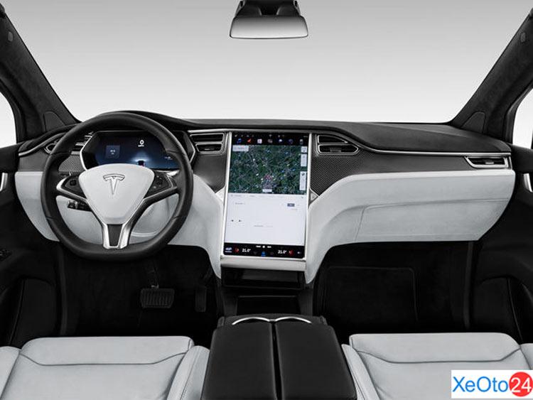 Hàng ghế lái xe Tesla Model X