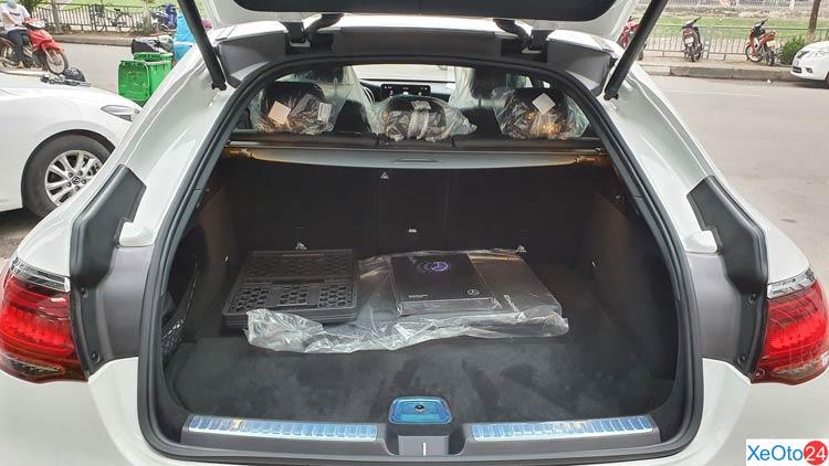 Khoang hành lý của GLC 300 4Matic