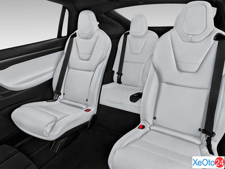 Nội thất xe Tesla Model X