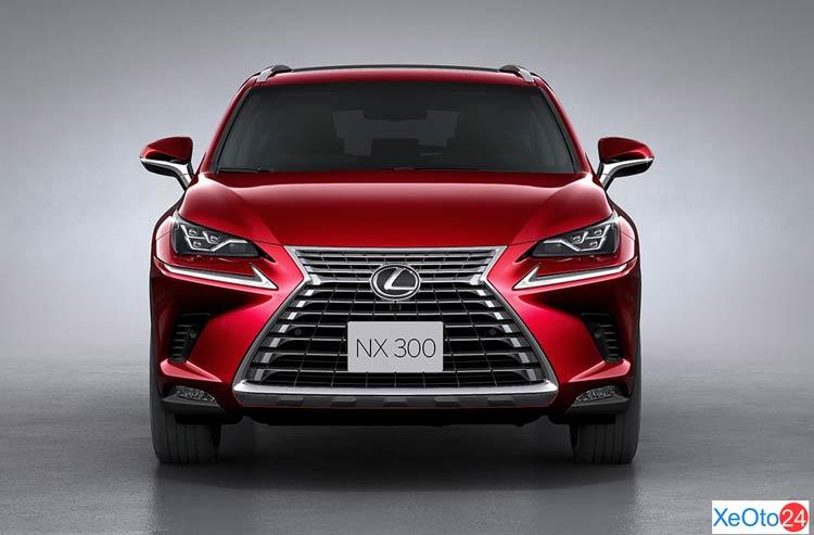 Phần đầu xe Lexus NX 300 2021