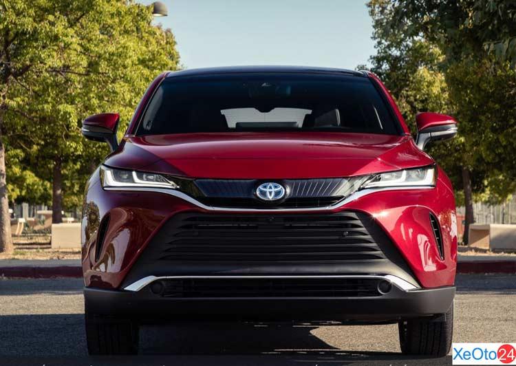 Phần đầu xe Toyota Venza 2021
